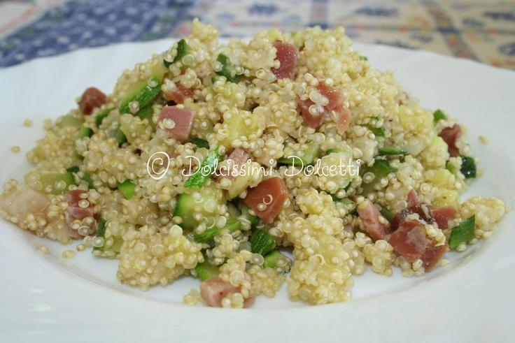 Insalata di quinoa con zucchine, speck e provola
