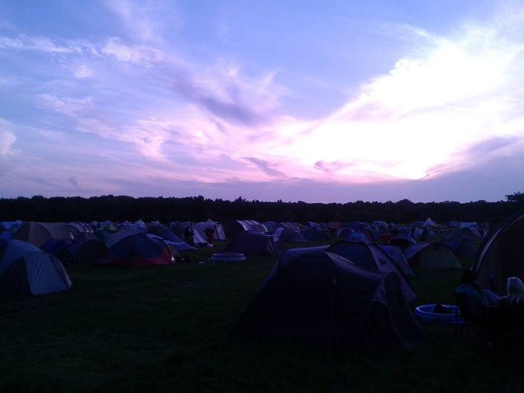 De camping op zondagavond