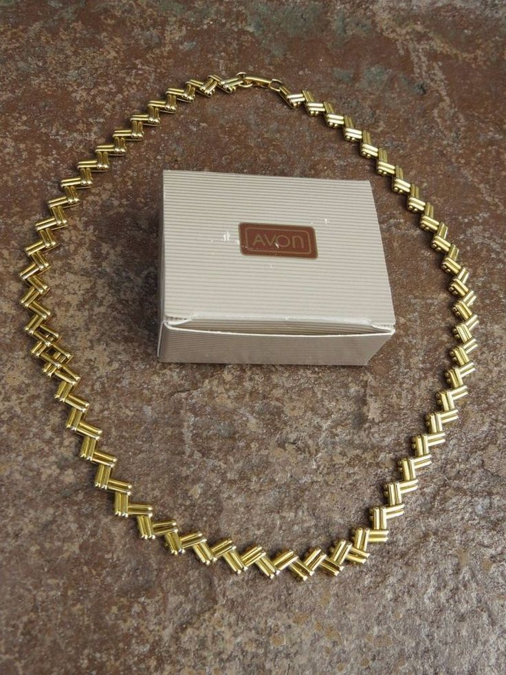 Avon Zigzag Chain Costume jewelry Necklace Chunky Style Gold New Old Stock BOX #Avon #Chain