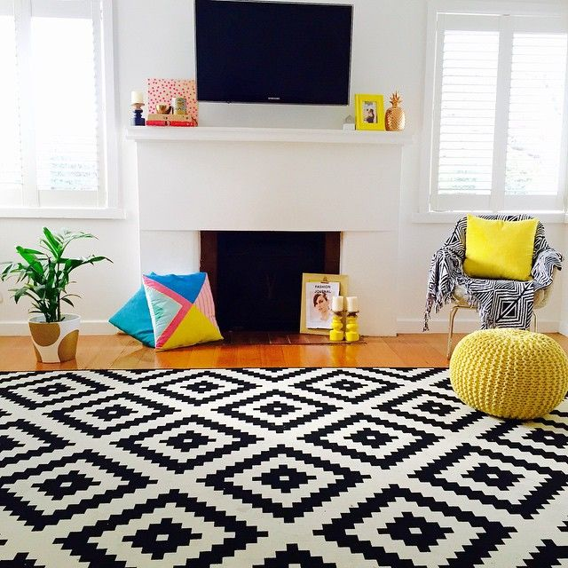 Another cold Melbourne day! At least I'm starting to see a glimmer of sunshine coming through my windows  #seemystyle #colourfulhomes #myhomestyle #interiorlove #interiors #homeinspo #homestyling #kmartaddictsunite #interiorstyling #cornerofmyhome #interiordecorating #love #myhome #showcaseyourspace