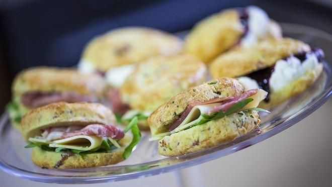 Parmesaani-kinkkuskonssit - Sara La Fountain | 24Kitchen
