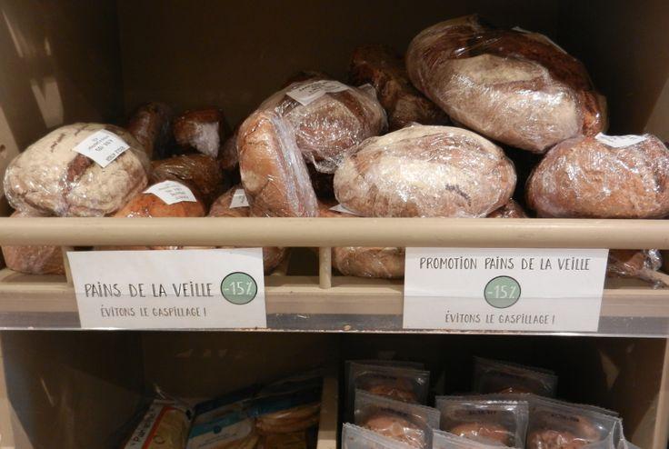 Pour éviter le gaspillage, Biocoop met en place des promotions sur les pains de la veille.  Mettez votre pain au four quelques minutes... La croute retrouve son croquant et la mie devient bien chaude et moelleuse... hmmmiam !  Vous vous régalerez tout en économisant !  Welcome magasin bio - Biocoop 11e