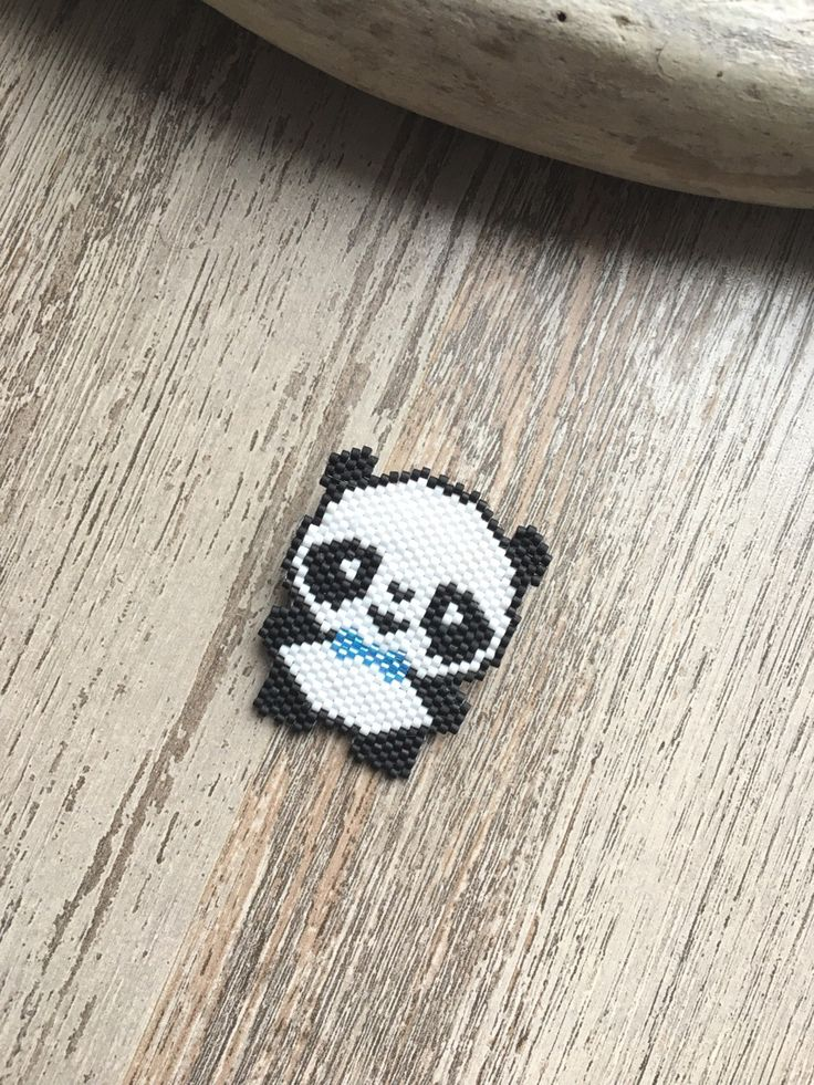 .. KAWAII .. Broche Monsieur Panda en perles Miyuki : Broche par maya40