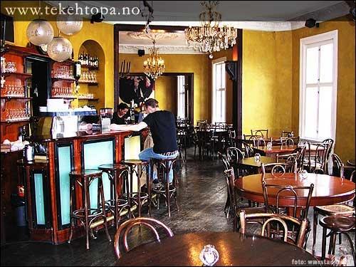 Café Tekehtopa - gamle Apoteket. Et herlig sted for en trivelig kveld ute med gode venner. Grei pris og grei mat