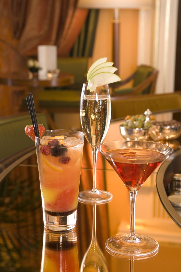 Cocktails at The Promenade Bar at The Dorchester