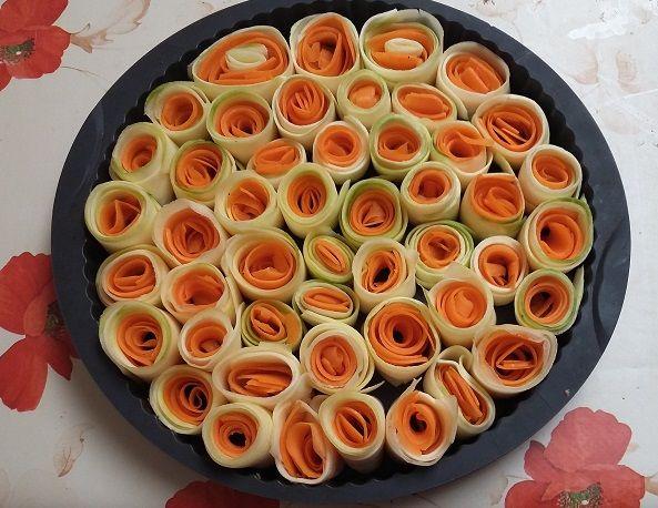 Tarte fleurs de carottes et de courgettes.