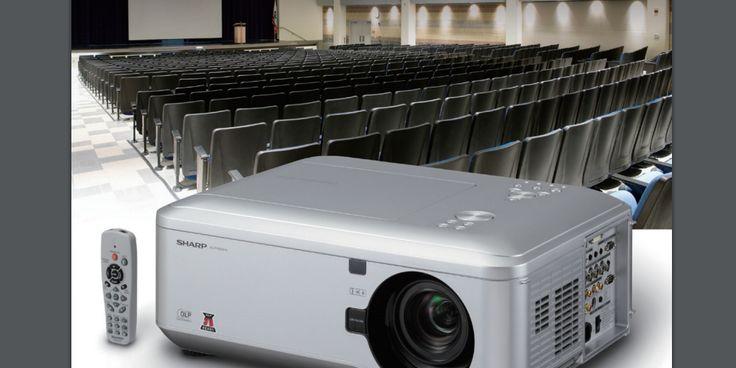 מקרן HD עצמה 6000 לומנס לאולמות גדולים