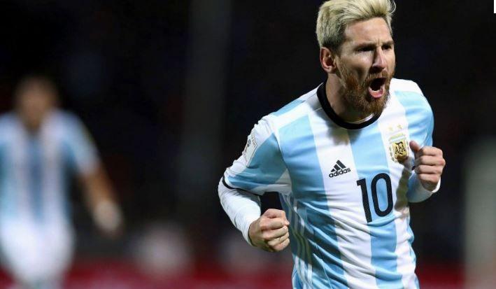 Le coup franc absolument sublime de Messi ! - Direct Foot