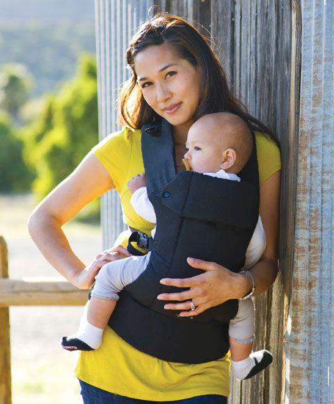 Bärselar ska vara ergonomiska för både barnet och den som bär! Det är Beco Gemini - nu i lager hos oss igen i modellen Organic Black som passar från födseln upp till ca 16 kg. Går att bära på rygg, på mage, med barnet framåtvänt och på höften. Lätt att justera efter olika bärare med varierande längd, tvätt bar i maskin och tillverkad av ekologisk bomull. Kom gärna och prova den i vår butik i Midsommarkransen. Bär ditt barn och njut!