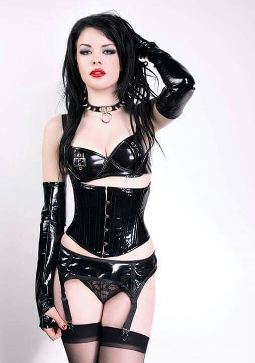 Adore this goth sexy bdsm wow