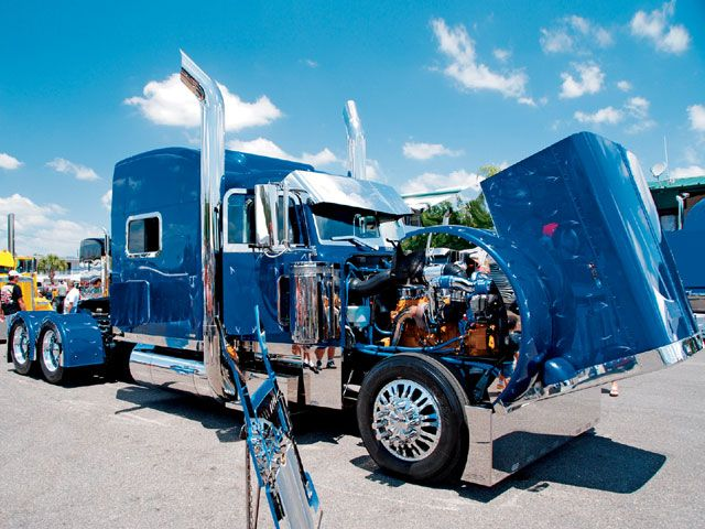 Custom Big Rig Truck Show Peterbilt 379