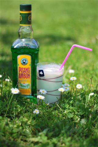 Edithshapjes, zomerse cocktail met pisang, ijs en melk