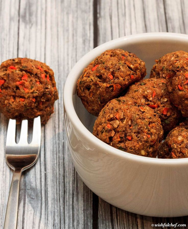 The Perfect Super Bowl Appetizer for your #Vegetarian Friends! - Easy Veggie Balls with Mushrooms and Carrots // wishfulchef.com