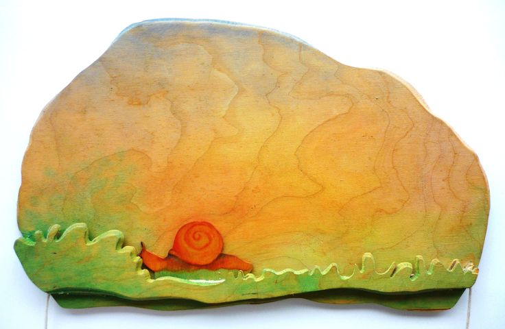 Langzaam,langzaam aan. Slakje, kun je niet vlugger gaan? Eenvoudig trekplaatje gemaakt van berkentriplex Slowly, slowly snail , you cant go faster ? Simply pull your plate ( mini theatre) made of birch plywood www.berkeblad.nl
