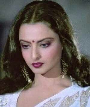 Truly Indeed REKHAJaan Is An Epitome Of Beauty & Sensuality In All Dimensions!!