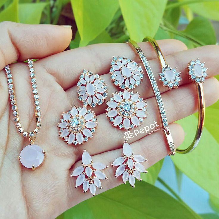 Mix lindo com pedras de zircônias rosa claro   ➡ Visite nosso site pepot.com.br e confira como comprar com descontos de até 40%  #brincos #pulseiras #colares #bijuterias