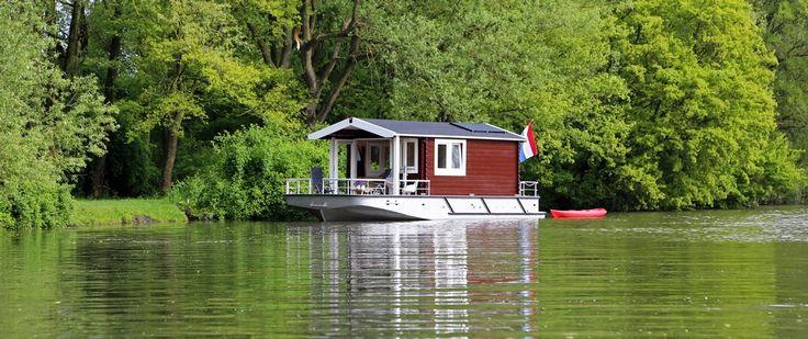 Blokhutboot.nl - varen en verblijf in 1- grappig nieuw concept