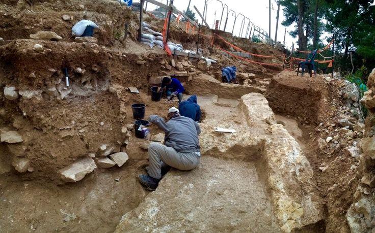 При строительстве энергомоста в Крым нашли древнее подземное водохранилище.  http://www.indeks.ru/news/drevnee-vodokhranilishche/