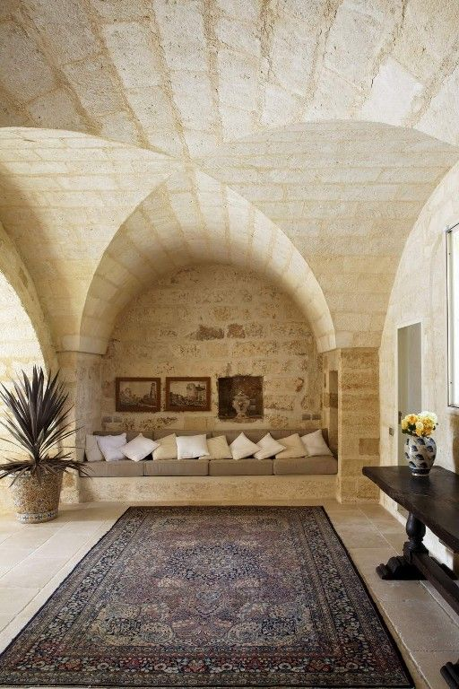With its tower dating from 1606, Masseria Torre Ruggeri is a wonderful example of a traditional farmhouse of Southern Italy.