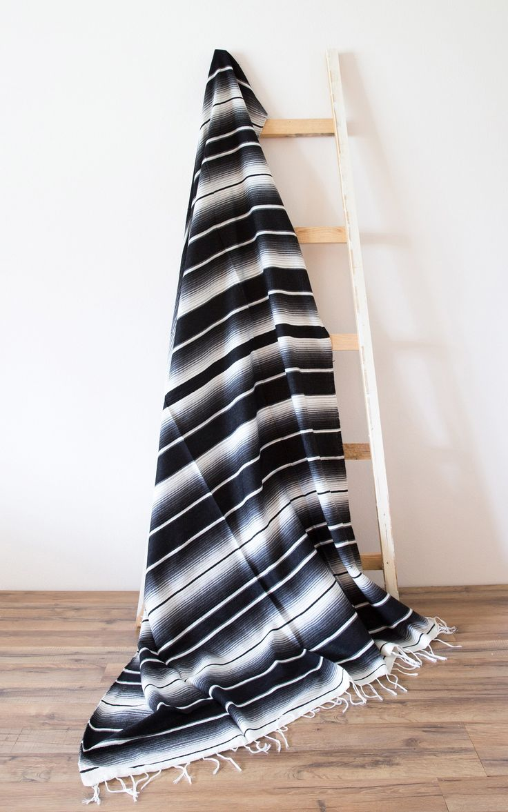 Black & White Minimalist Throw