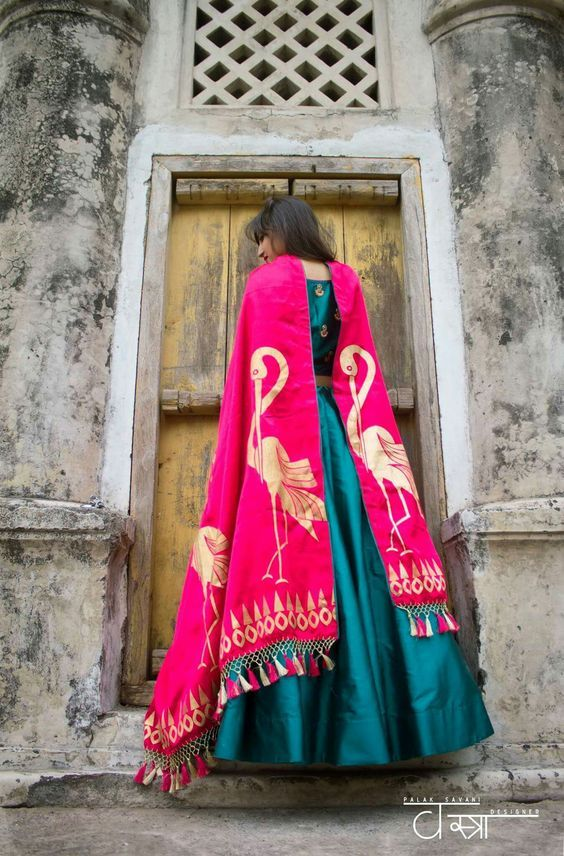 Vastra - Get your hands on their gorgeous collection. This Surat-based label called Vastra has some interesting Banarasi dupattas in some really unique designs and motifs!