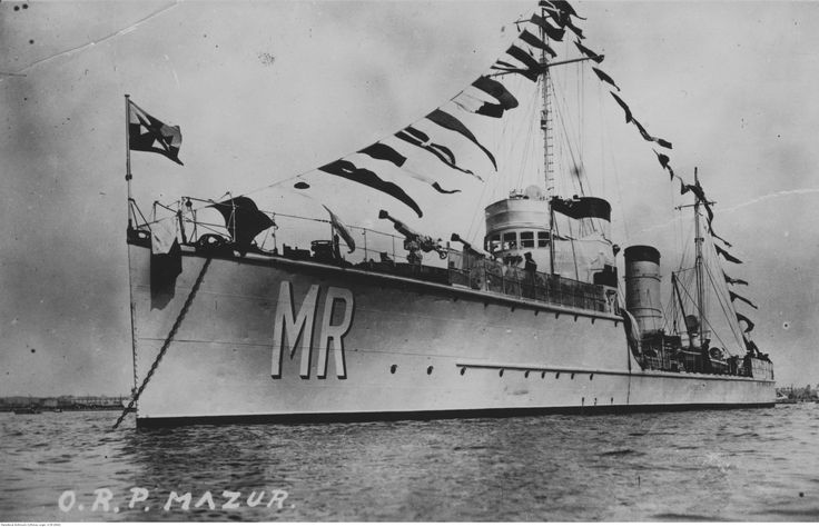 ORP Mazur after rebuilt into gunnery training ship in 1931. Photograph taken between 1931 and 1935.