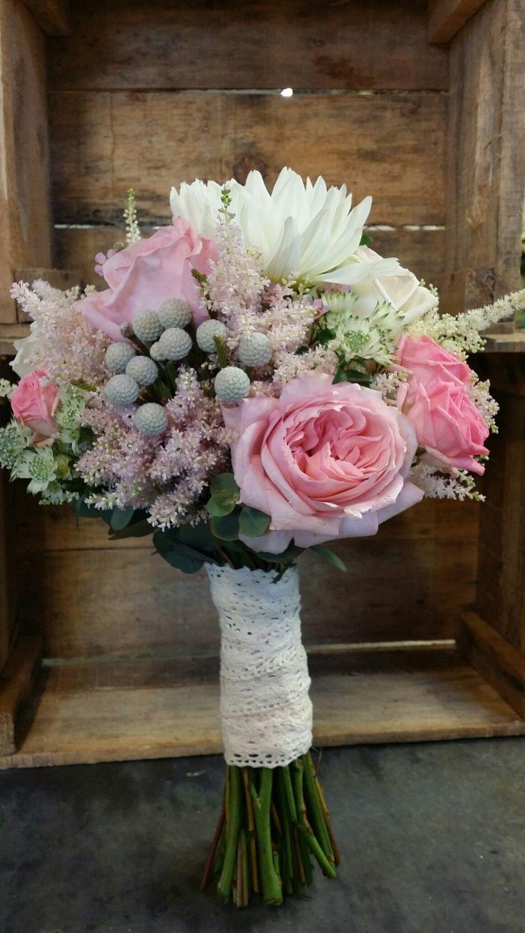 Ramo en tonos rosas y claros || Andaluflor  http://andaluflor.es/ramos-de-flores-para-novias-en-cordoba