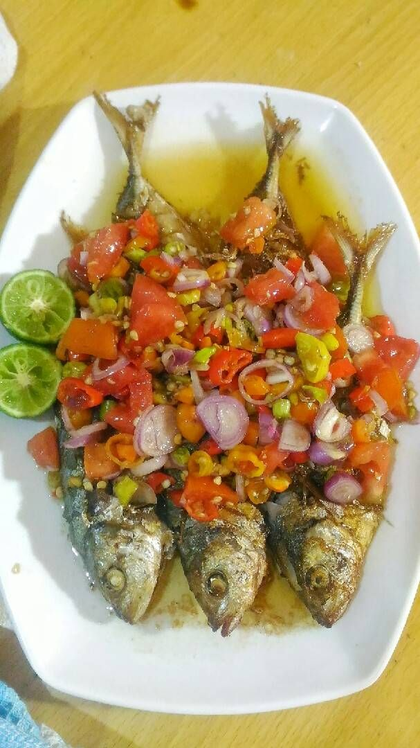 Resep Ikan Goreng Sambal Dabu Dabu Colo Colo Oleh Adelia Sharfina Resep Di 2020 Resep Ikan Makanan Ikan Resep Makanan