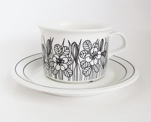 """Esteri Tomula """"KROKUS"""" Tea Cup & Saucer (arabia, finland)"""