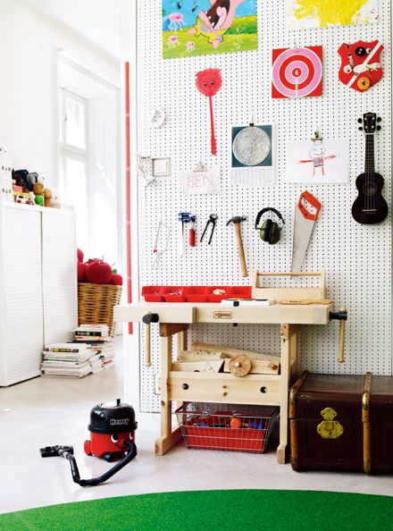 The best carpenter's workshop I have ever seen! Pegboards - the most user friendly feature wall to exist.