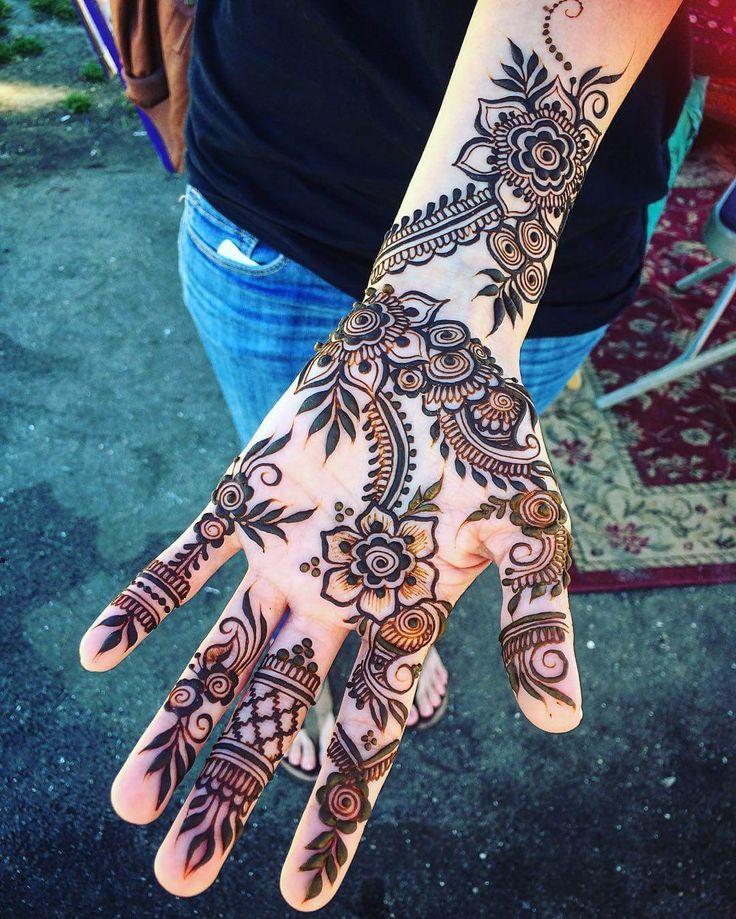 Amazing mehndi for hand