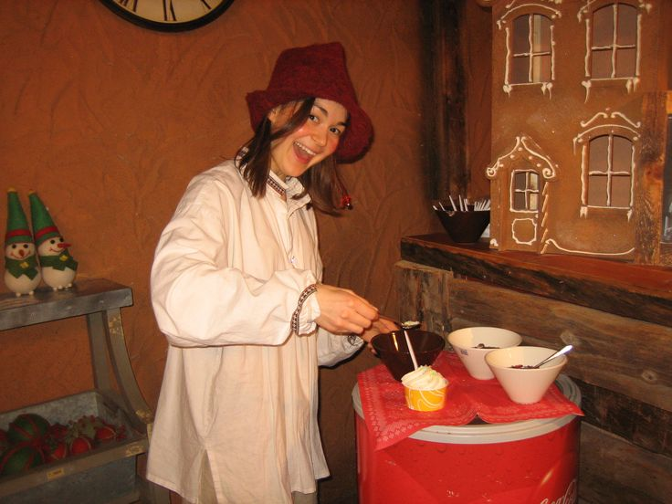 Elf working in the Bakery
