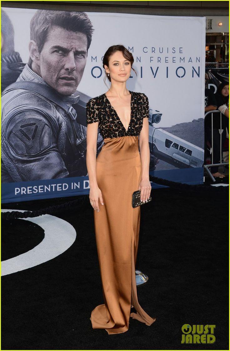 Olga Kurylenko: Oblivion Hollywood Premiere! | tom cruise olga kurylenko oblivion hollywood premiere 03 - Photo Gallery | Just Jared