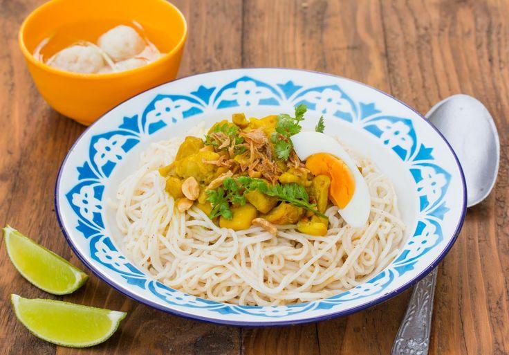 Curry Nudeln aus Mandalay - Mandalay Mont Di - Zu finden auf: https://asiastreetfood.com/rezepte/curry-nudeln-aus-mandalay/