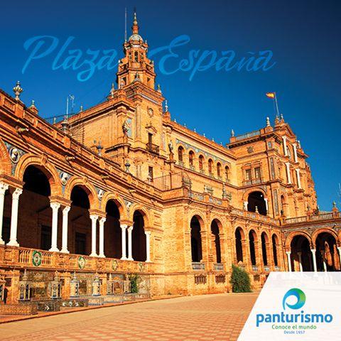 En el canal se pueden hacer paseos en barca para que los ciudadanos de Sevilla se deleiten con la impresionante arquitectura del lugar.