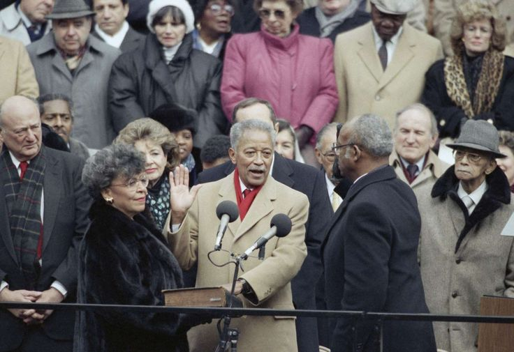 Today in History: January 1   -     1990: Dinkins becomes New York City's mayor  -   David Dinkins is sworn in as New York City's first African‐American mayor