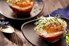 Jajka zapiekane w szynce, trzymać krócej żeby żółtka się nie ściely