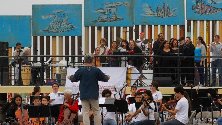 Alors que des milliers d'Américains ont manifesté ce vendredi 2 juin contre la politique de Donald Trump dans plusieurs villes des Etats-Unis, une autre forme de protestation devait avoir lieu à la frontière américano-mexicaine, ce samedi, pour s'opposer à la construction d'un mur entre les deux pays. Avec notre correspondant à Washington, Jean-Louis Pourtet C'était l'idée du directeur artistique de l'orchestre symphonique de Dresde, ...