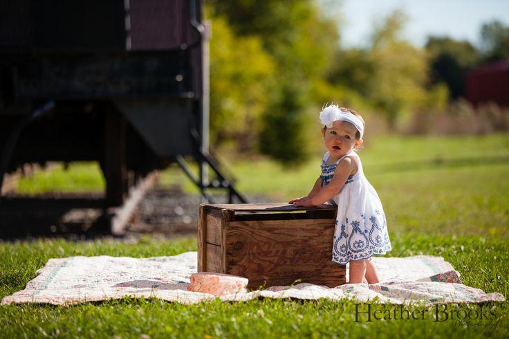 #heatherbrooksphotography #windsorchildrensphotographer #windsorchildrenphotography #essex #essexontario #vintagesuitcases #essextrainstation #childrensphotography #childrensphotographer #kids #suitcase