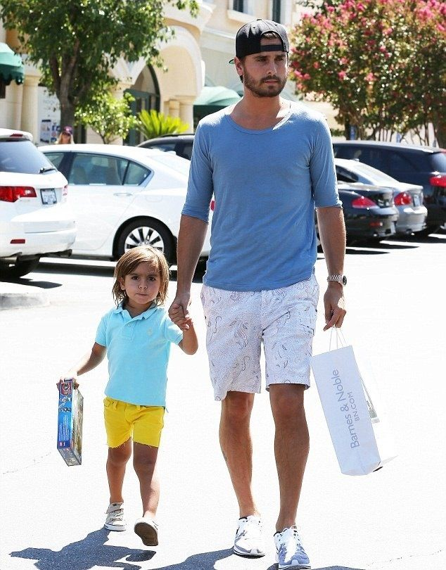 Scott Disick and Mason, mason is so cute!!!