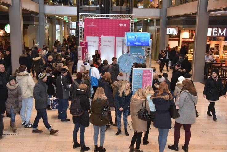 Wart ihr schon bei unserer LOVE TO SHOP-Aktion im Center?! :) Bis zum 23.01. könnt ihr noch vorbeikommen, tolle Sofortgewinne absahnen, euch auf dem Shopping Queen-Laufsteg fotografieren und an unserem Gewinnspiel auf Facebook teilnehmen! ;) Kommt vorbei! #EuropaPassage #EuropaPassageHamburg #LoveToShop #CenterApp #ShoppingApp #Angebote #Rabatte #ShoppingQueen