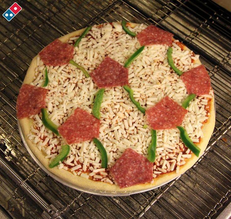 Hungrige Fußballfans lieben Pizza!