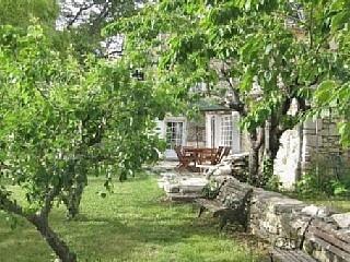 PIPONCET Mas provençal de 1847 en pierre, dans un cadre exceptionnel. Location de vacances à partir de Saumane @homeaway! #vacation #rental #travel #homeaway