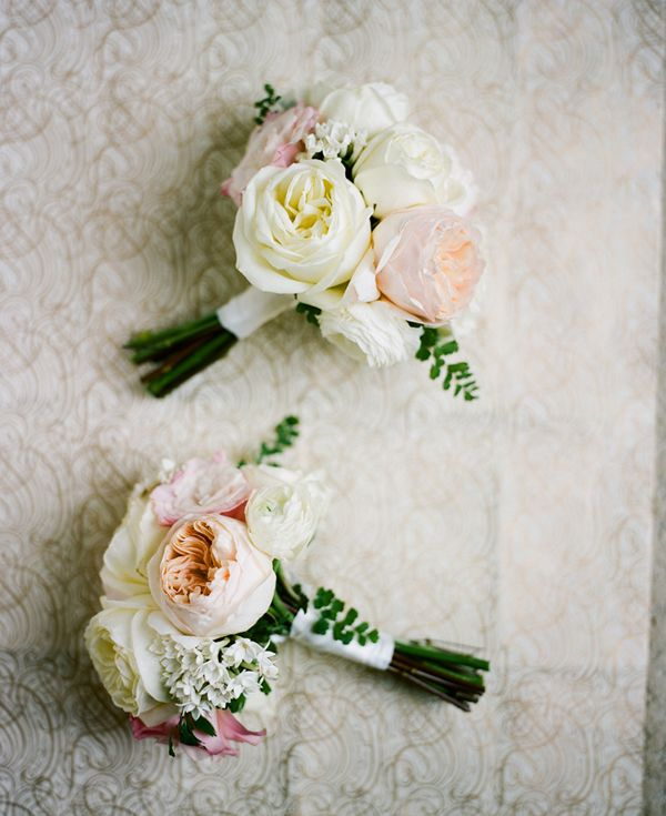 Love these small bridesmaids bouquets! Maybe wrapped in mint ribbon?