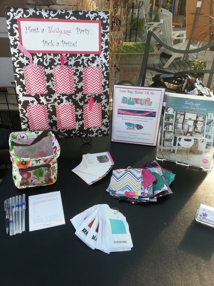 thirty one party display ideas | Thirty-One Booking Board ideas.