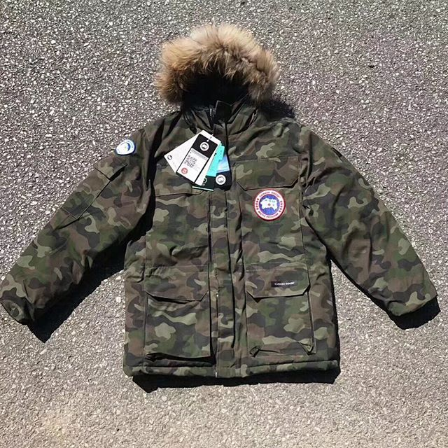 Youth Canada Goose - classic and authentic pieces that offer the best in extreme weather protection.Authentic canada goose jackets,canada goose parka,canada goose hoody,canada goose vest hot sales in our Canada Goose outlet store.