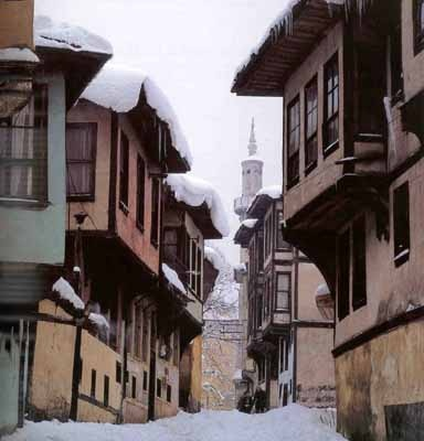 Traditional Turkish houses-Ottoman XIX-Bursa by Sami Guner - Civilizations of Turkey - Images - Picture Gallery - Travelers' Stories About Turkey