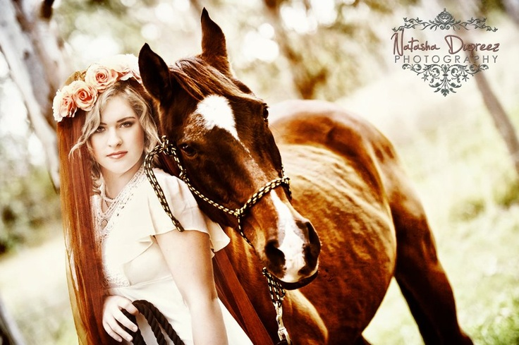 I am loving this image of Jessica and her horse.  So many beautiful pictures to choose from.  www.natashadupreez.com