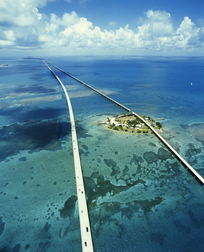 nike air max defy run mens 7 Mile Bridge  Florida Keys  No way I would travel down some of these roads