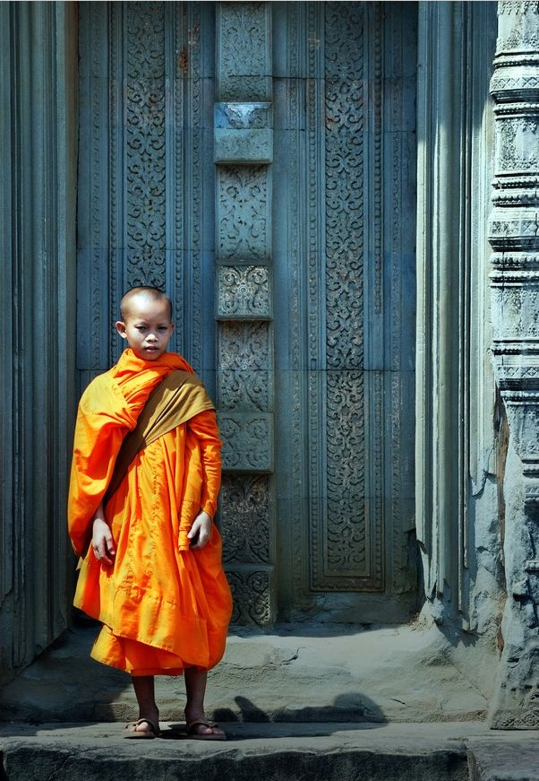 : Young Monk, Monk Pass, Colour Monk, Buddhists Monk, Bright Colour, Beautiful Moments, Places, Angkor Wat, Captiv Cambodia